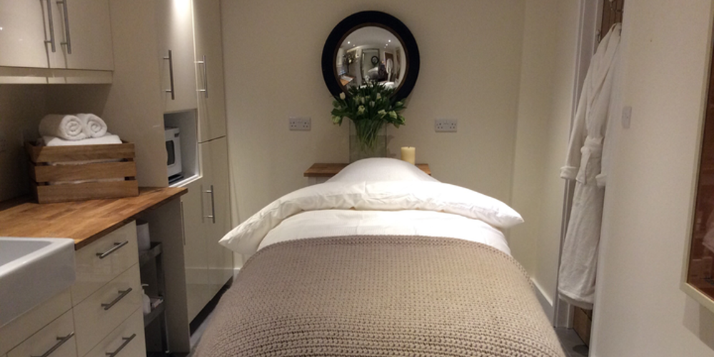 Staddle stone spa highclere newbury for 10 newbury salon